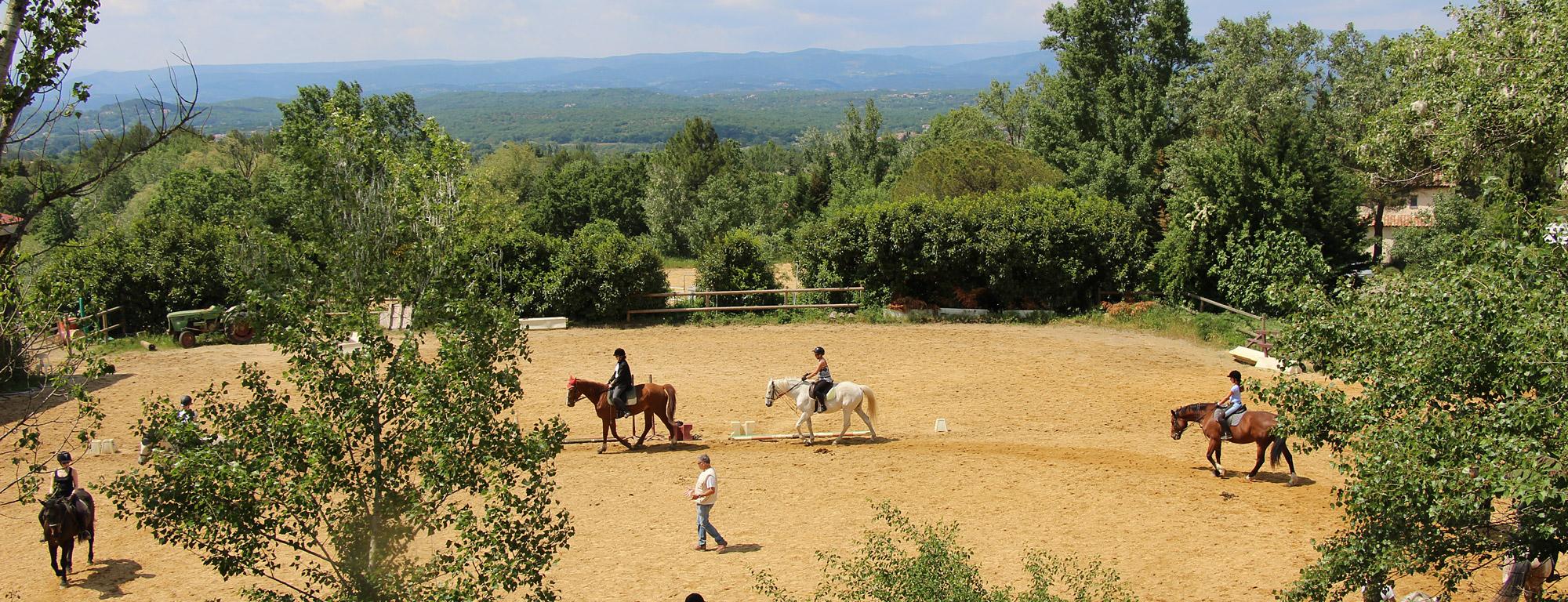 Cours d'équitation au centre équestre du Rouret